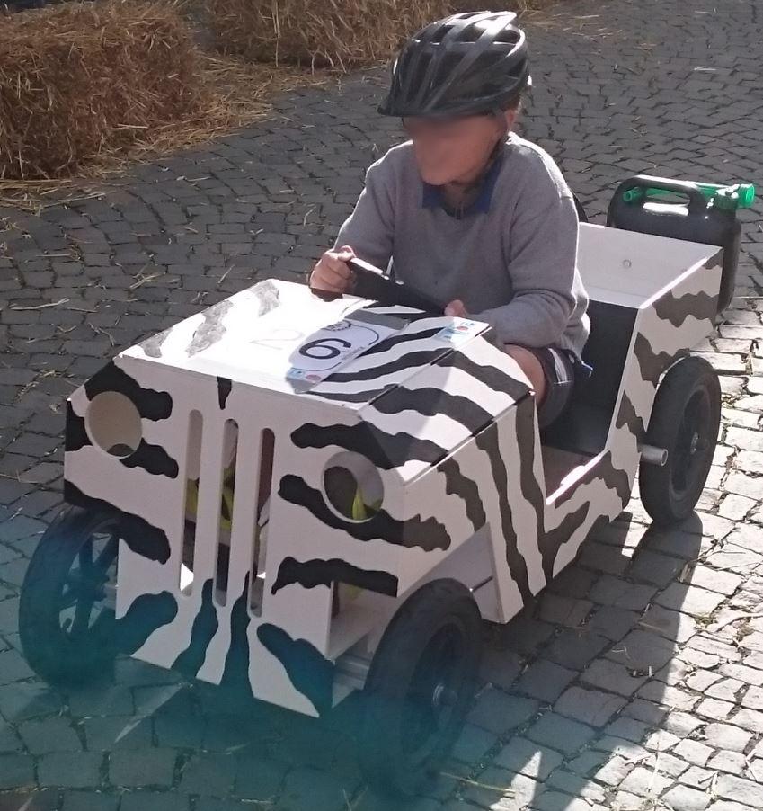 JeeBox beim Seifenkistenrennen in Oberursel