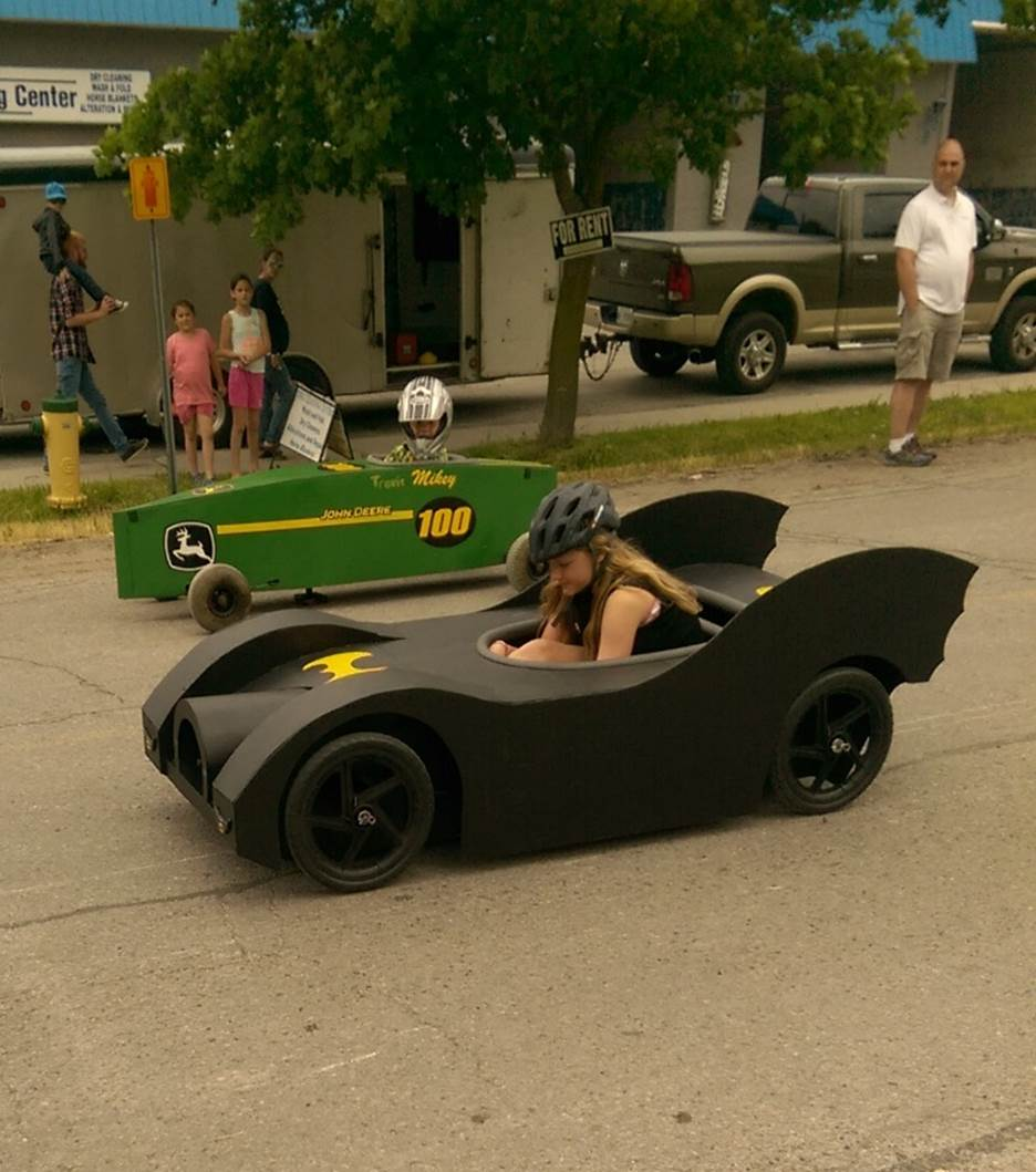 batmobil in kanada gebaut soapboxgarage. Black Bedroom Furniture Sets. Home Design Ideas