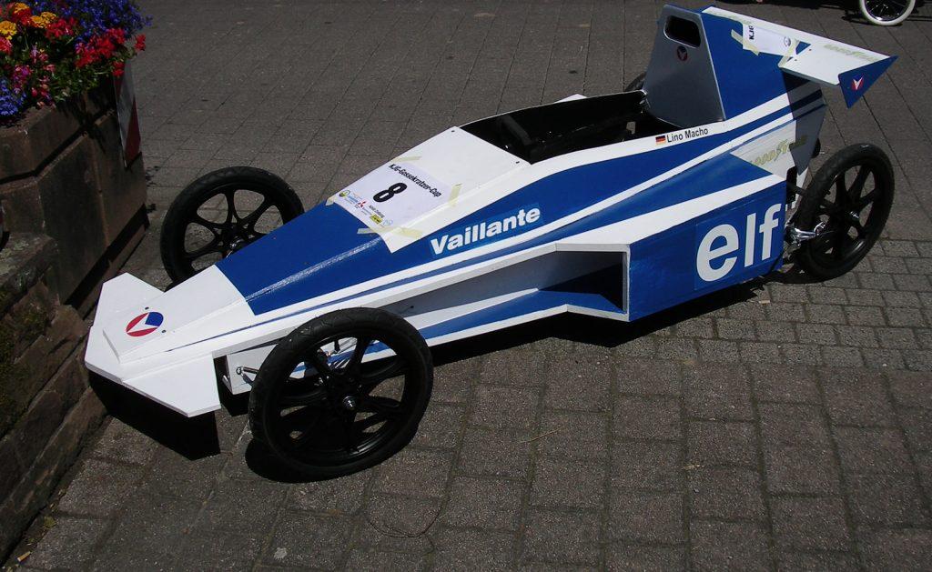 Vaillante-F1-im-Fahrerlager-1600
